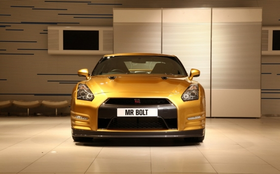 2013-nissan-gt-r-usain-bolt-special-edition-front-1024x640